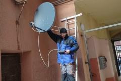 Ustawienie anteny satelitarnej na wysięgniku 110 cm