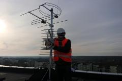 Daniello podczas ustawiania anteny DVB-T w instalacji zbiorczej