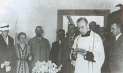 Ks. Wyszyński odprawiający msze świętą w Nasutowie