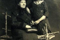 Anna Głowacz z domu Leciewicz z wnuczką Anną