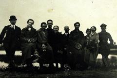 Nasutów, z prawej Jan i Elbieta Wróblewscy oraz Aniela Żbikowska z Głowaczów, z lewej kuca Marysia Wróblewska