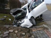 Nasutów Toyota uderzyła w przepust 2
