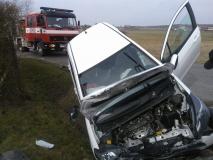 Nasutów Toyota uderzyła w przepust 4