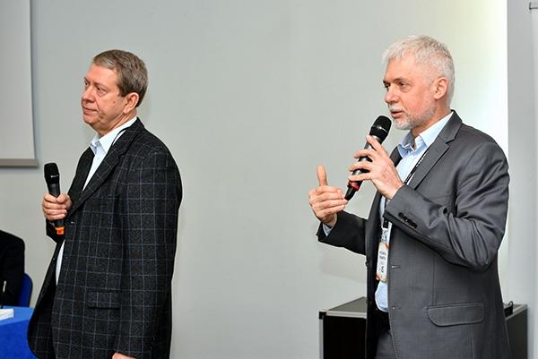 Jacek Szymczak i Jacek Kosiorek wprowadzają w tematykę warsztatów