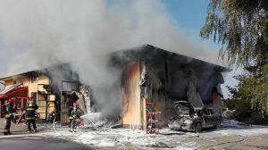 Pożar warsztatu samochodowego w Ciecierzynie