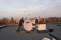 Podczas prac na dachu. Instalacja zbiorcza RTV-SAT Lublin