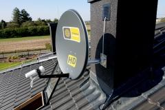 Antena Cyfrowego Polsatu zamontowana na dociepleniu