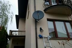 Antena satelitarna na ścianie z dociepleniem