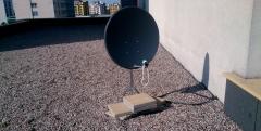 Mocowanie anteny na stojaku z obciążeniem
