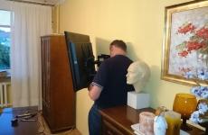 Zawieszanie telewizora na ścianie